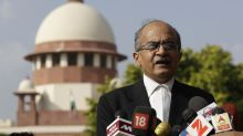 India's top court lets off lawyer who criticized judiciary
