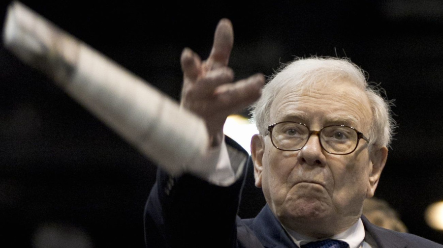 After 54 yrs, Buffett abandons valuation metric
