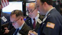MERCADOS GLOBALES-Inversores buscan seguridad ante amenaza de escalada de pugna comercial EEUU-China