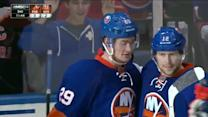 Josh Bailey sets up Brock Nelson for a goal