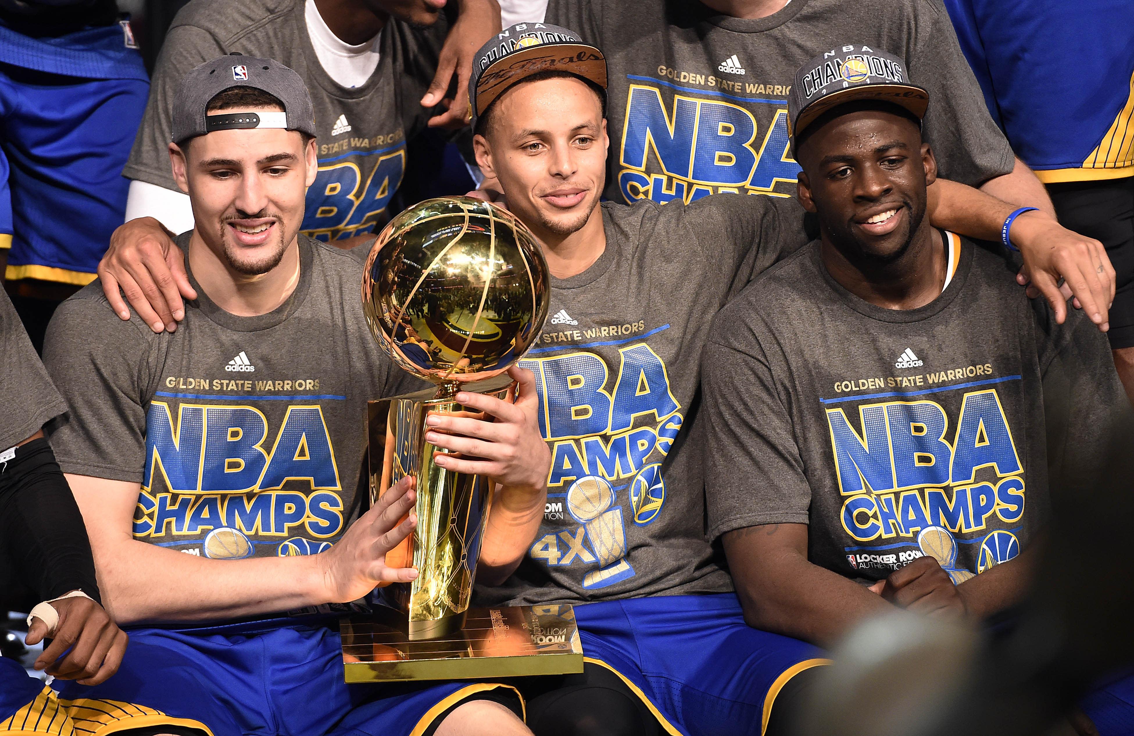 勇士名記:如果能換來字母哥搭檔Curry,送走湯普森+追夢綠也無妨!-黑特籃球-NBA新聞影音圖片分享社區