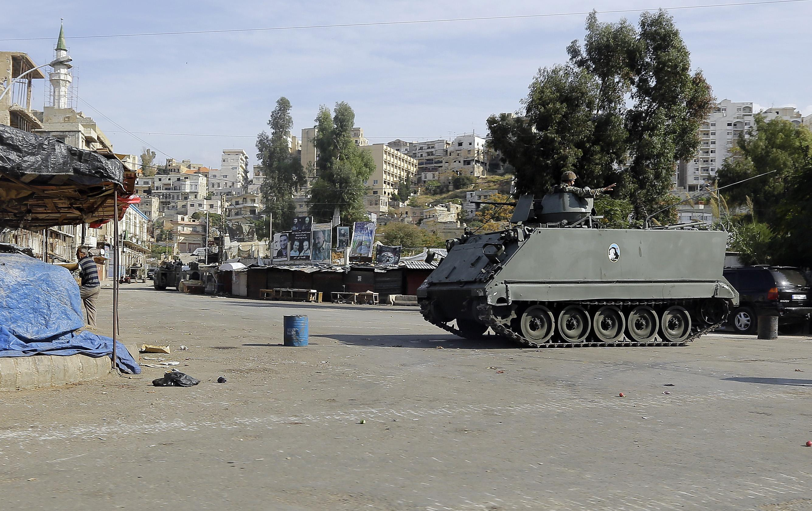 Lebanese soldiers were recently involved in fierce clashes with jihadists for control of the Bab al-Tabbaneh neighbourhood of Tripoli, on October 27, 2014 (AFP Photo/Joseph Eid)