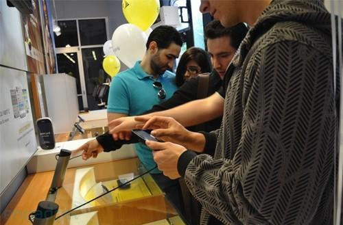 Palm moves 50,000 Pre smartphones in opening weekend