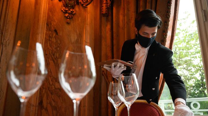 Staff shortage ends Michelin restaurant's lunch service