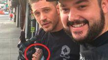 Tom Hardy por fin se hizo el tatuaje que había apostado contra Leo DiCaprio ¡y mira qué feo que es!