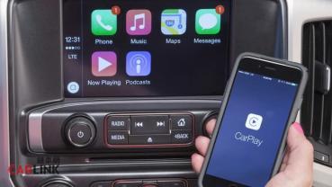"""iPhone 13將用無線充電,手機邁向""""無端口""""設計時,未來買車時一定要有的配備就是它"""