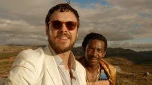 Sergio Guizé investiga tribo de canibais em 'Além do Homem'. Veja o trailer