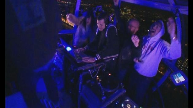 Lily Allen and Mark Ronson take over London Eye