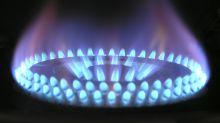 Rincari per luce e gas: ecco come risparmiare