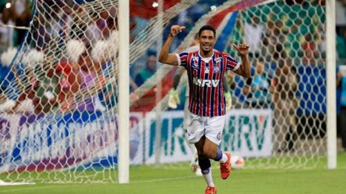 Hernane Brocador e Kayke são oferecidos ao Botafogo, que estuda