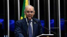 Senador Arolde de Oliveira (PSD-RJ) morre vítima da covid-19