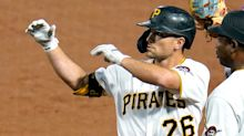 Pirates trade All-Star 2B Frazier to Padres