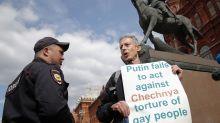 Folter von Homosexuellen: Das steckt hinter dem Putin-Protest des LGBT-Aktivisten in Russland