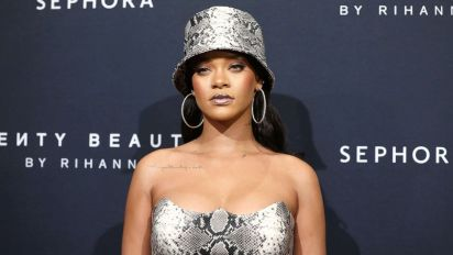 Rihanna claims father used her name for profit: Lawsuit