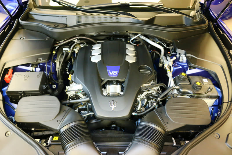 evante S GranSport/GranLusso皆採用Ferrari原廠調校的3.0L V6雙渦輪增壓汽油引擎,具備430hp最大馬力輸出。