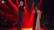 Sanremo 2019, Elisa riporta Luigi Tenco all'Ariston e l'emozione è incontenibile