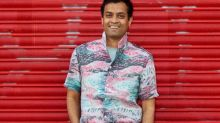 How to wear a flamboyant silk shirt