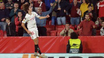 El Sevilla sigue con su pleno en la Europa League