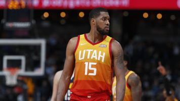 Lakers keeping a close eye on Favors' situation