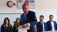 Elections en Turquie, crise migratoire, Mondial de foot : le résumé de l'actu du week-end