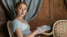 Phoebe Dynevor Says Watching Bridgeton's NSFW Scenes With Her Family Was 'Awkward'