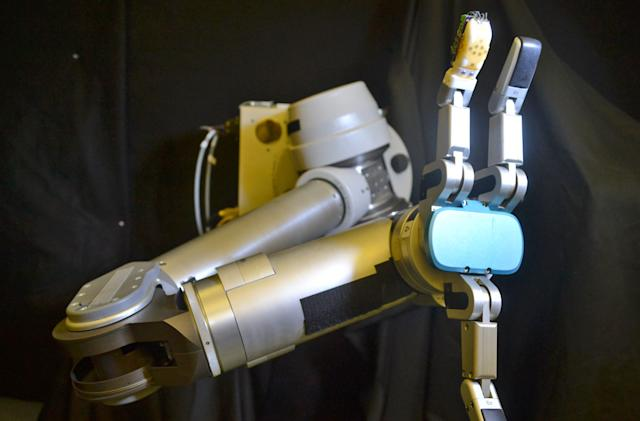 Stretchable 'skin' gives robots the sense of touch
