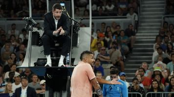 Kyrgios called umpire 'stupid' after time penalty