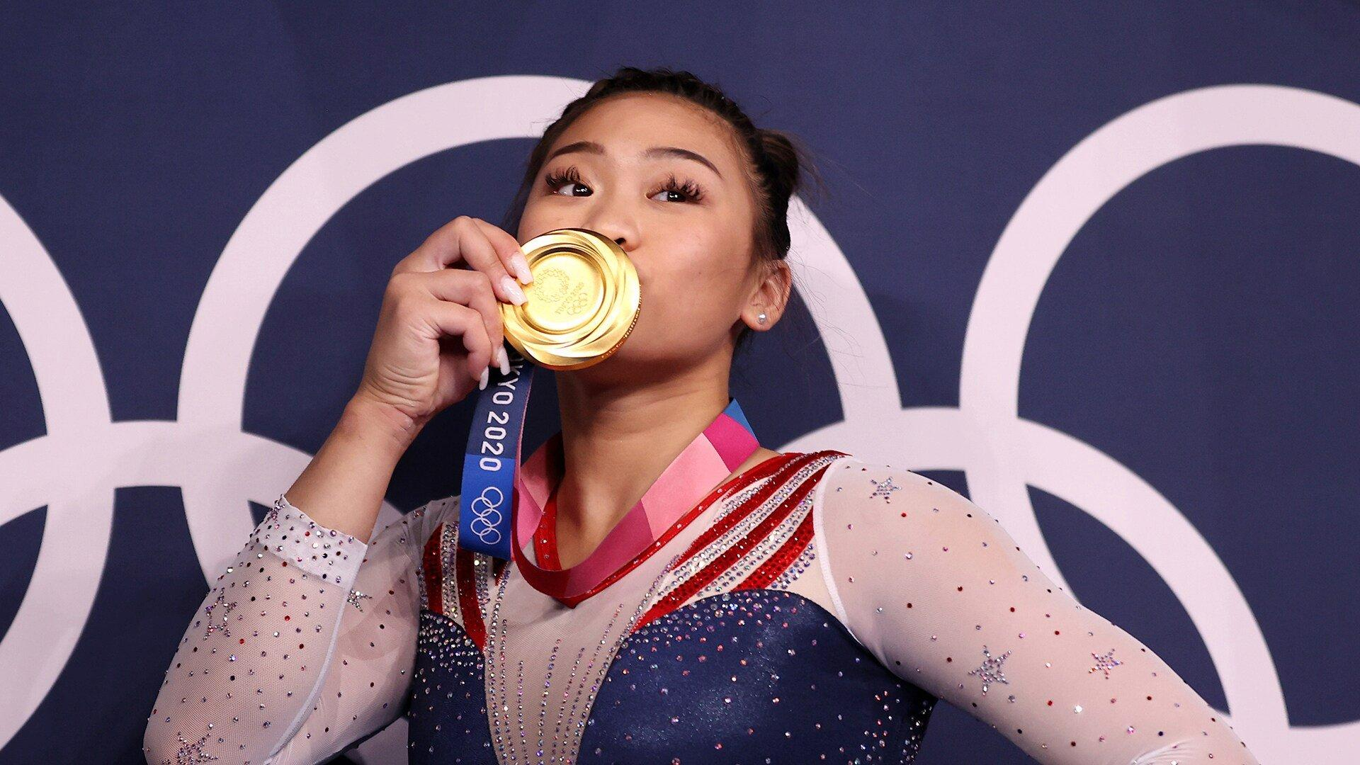 sports.yahoo.com: Sunisa Lee Thanks Supporters in Hmong After Community Rallies Behind Her