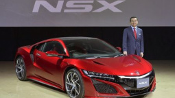 Honda looks to revamped Acura NSX to fire up brand