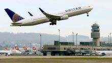 United Air shares tumble as it vows to match low fares, expand capacity