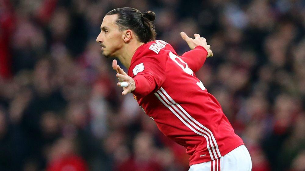 Ibrahimovic pediría ser el mejor pagado en el Manchester United para renovar