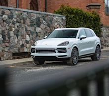 View Photos of the 2019 Porsche Cayenne S