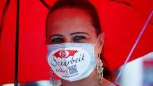 Use la mascarilla durante el sexo, dice alta funcionaria de salud canadiense