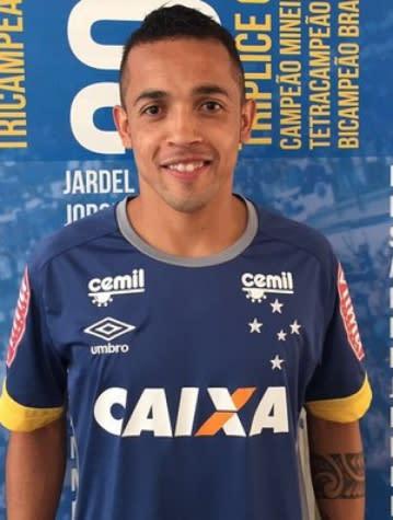 Rafinha pede Cruzeiro sem sofrer gols em casa e convoca torcida