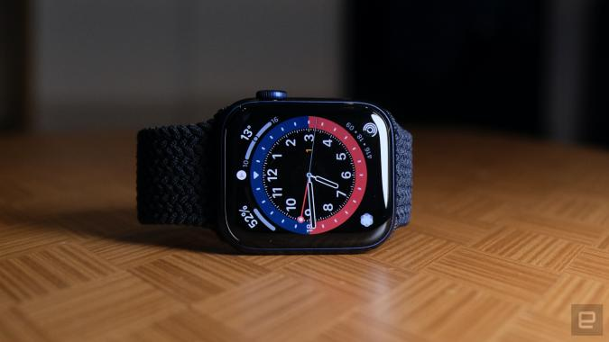 Apple Watch Series 6 with GMT face and Braided Solo Loop