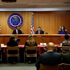 Net neutrality rules on internet providers to be rolled back