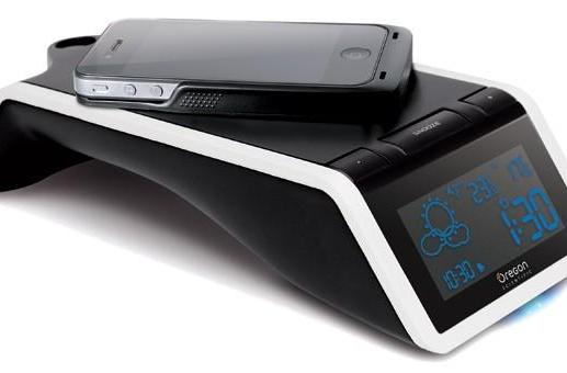 Oregon Scientific's Time and Wireless Charging Station+ does what it says