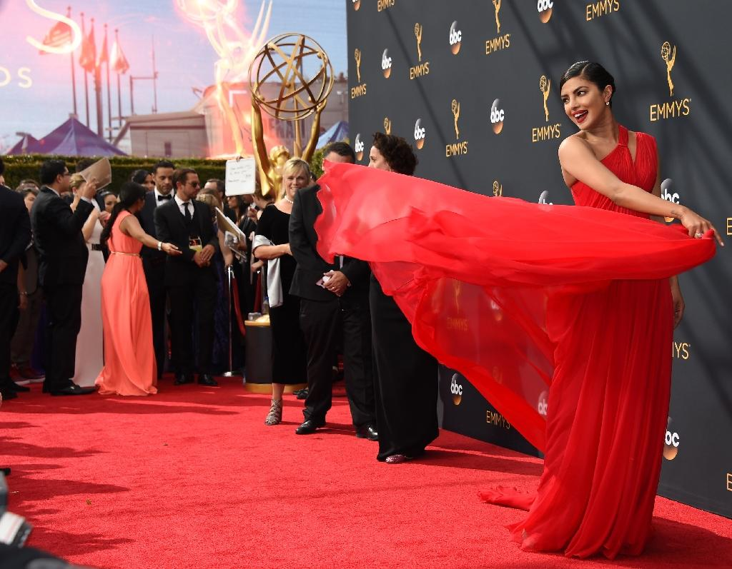 Emmys Red Carpet Red Black Yellow And Cleavage