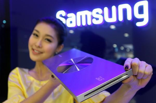 Samsung readies 23mm-thick 3D Blu-ray player for CES unveiling