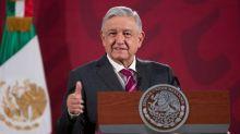 """López Obrador dice a quienes piden su renuncia que """"no coman ansias"""""""