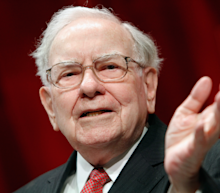 'I got my head handed to me:' Warren Buffett sounds an alarm on Walmart and the entire retail industry