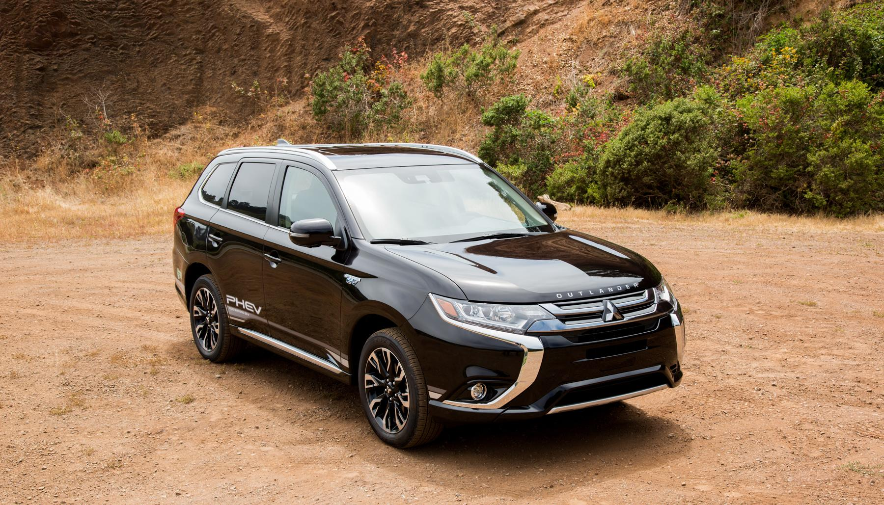 Mitsubishi S Outlander Plug In Hybrid Is An Understated Surprise Engadget
