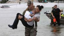 Revuelo por un comentario en Twitter sobre una foto del rescate por la tormenta Harvey