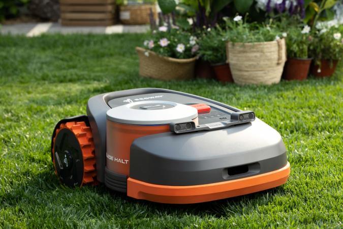 Segway Navimow robot mower