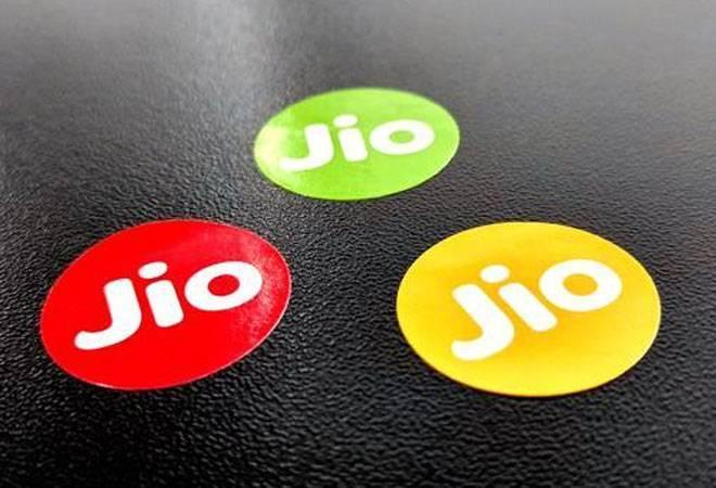 Idea too joins court battle on Jio's 'happy new year' offer