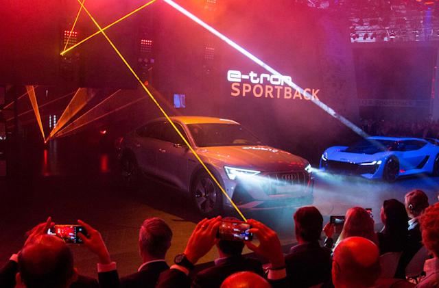 Audi teases the E-Tron Sportback with a short cameo