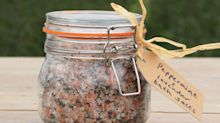 How to make peppermint and lavender bath salts at home