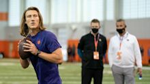 Herbstreit believes Meyer's high-profile status will ease pressure off Lawrence