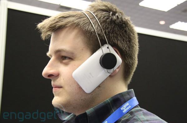 Cell-Mate headset heads-on