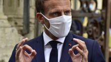"""""""Tenues correctes"""" au lycée: Emmanuel Macron prône le """"bon sens"""""""